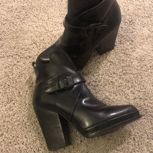 🖤Black Zara Leather Bootie